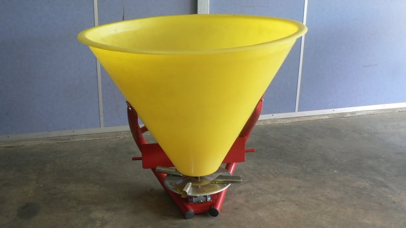 TUFFASS Machinery CN 500 (Poly) Lime & Gypsum Spreaders